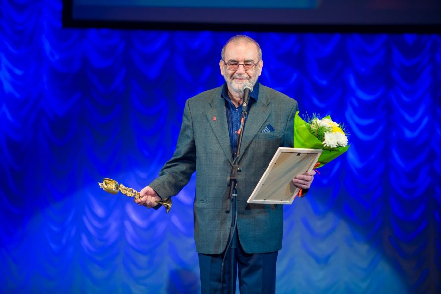 За выдающийся вклад в развитие музыкального театра в Новосибирске награжден Владимир Калужский