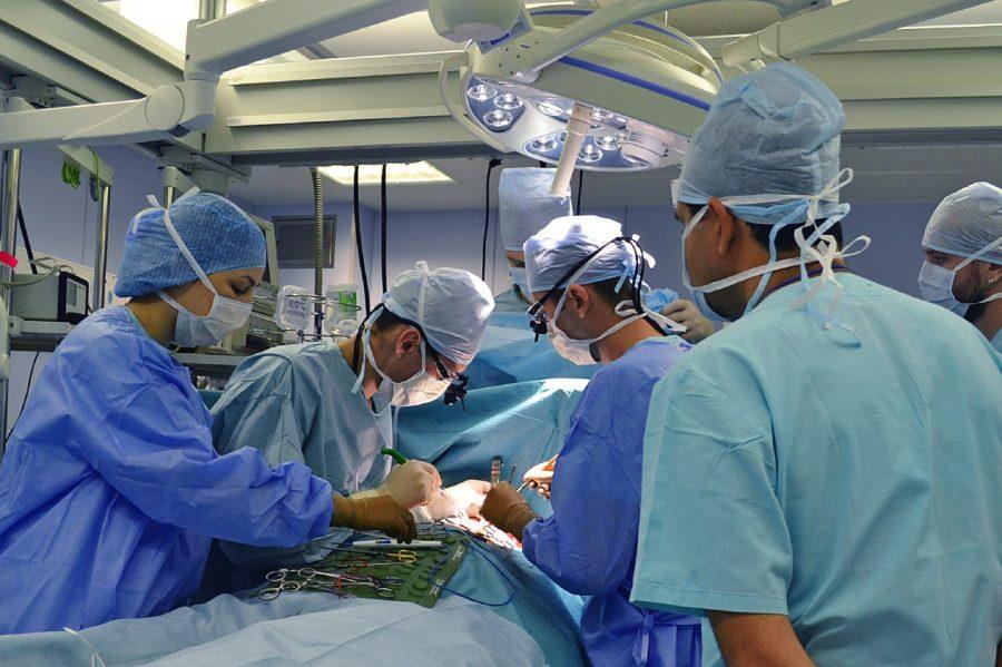 Хирурги спасли пациента стяжелой патологией после ранения