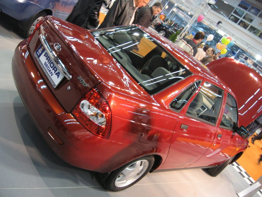 Лада Priora стала вторым попопулярности автомобилем за10 лет