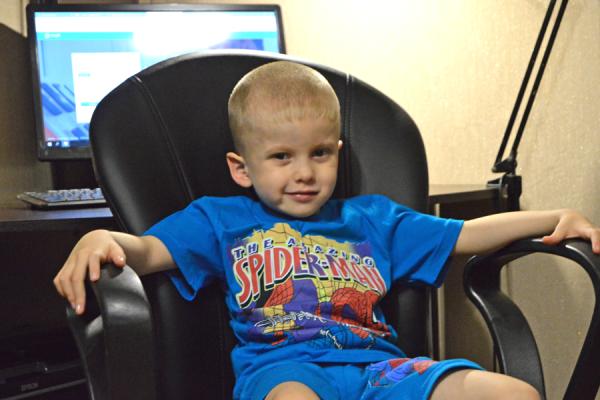 У пятилетнего Виталика Бондарева несовершенный остеогенез