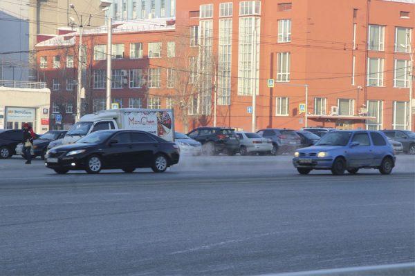 К созданию платных парковок на улицах Новосибирска предлагают привлечь инвесторов