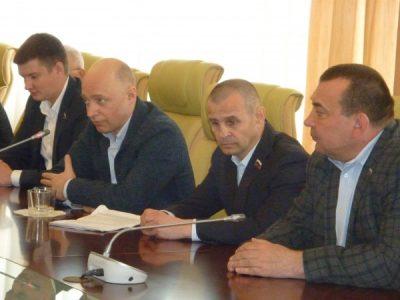 «Справедливая Россия» хочет преодолеть политмонополию власти