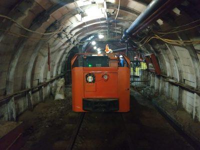 энергоэффективный электровоз на алмазной шахте в Якутии