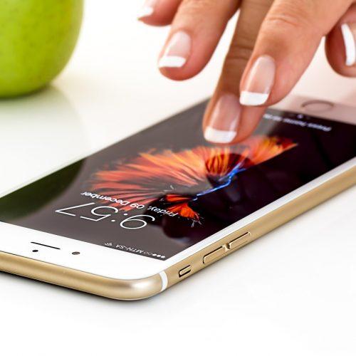 В I квартале 2019 года сибиряки купили 904 тыс. смартфонов на 13 млрд рублей