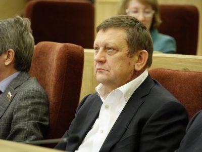 Лидер партсписка единороссов покидает Заксобрание