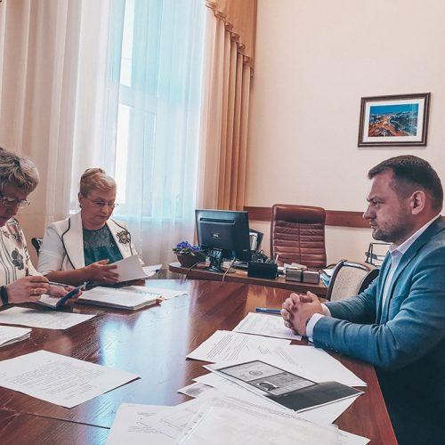 Первый кандидат в мэры подал документы в избирком