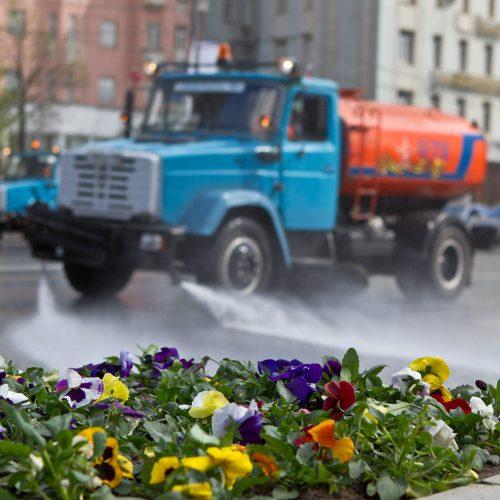 Дороги в Новосибирске вымоют специальным шампунем