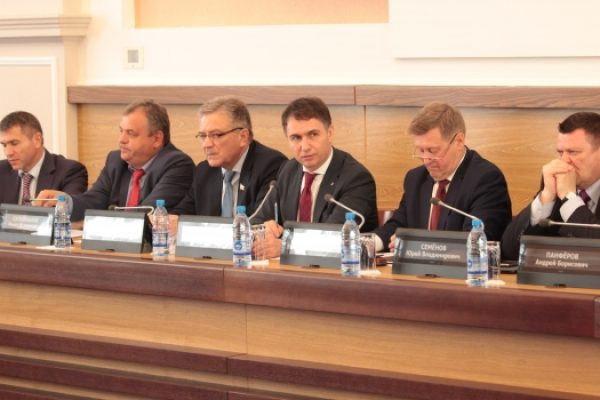 Новосибирску добавят почти 300 млн рублей трансфертами