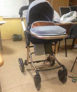 Ученые НГТУ НЭТИ создали универсальный съемный электропривод для детских колясок