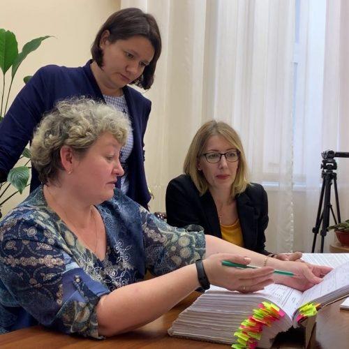 Юрист и экс-чиновник получили удостоверения кандидатов в мэры