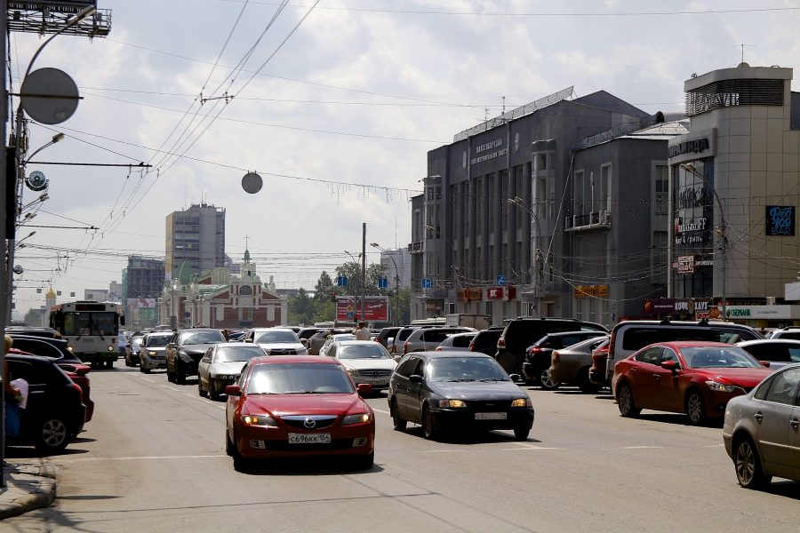 Средний возраст продаваемой машины в Новосибирске увеличился на 7 месяцев