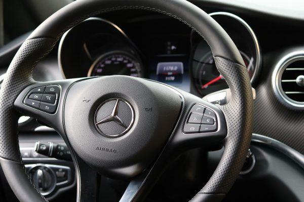 «Чертова дюжина» автовладельцев задолжала бюджету по 1 млн рублей