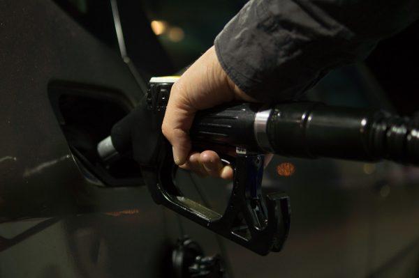 Около 12% топлива, которое продается в Новосибирской области, суррогат