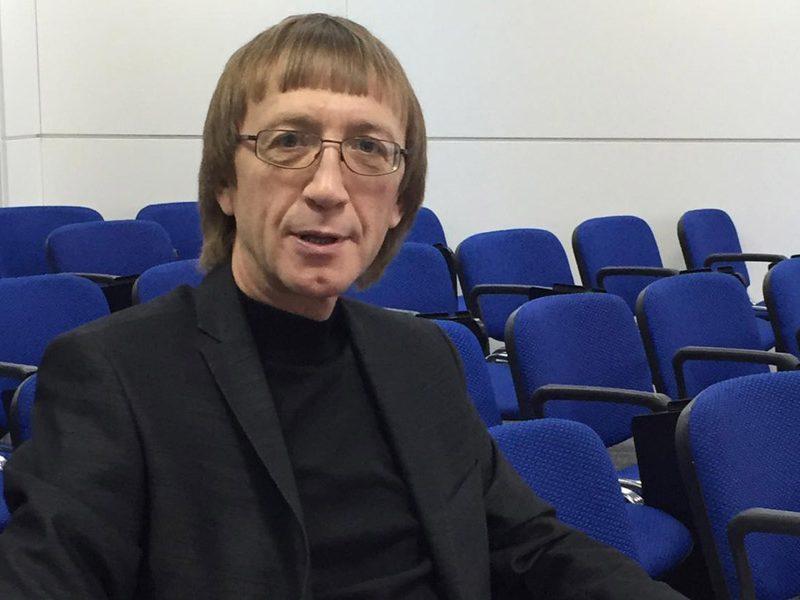 Политолог Владимир Леонтьев о «чехарде» кандидатов, запросах избирателей и барьерах для «мэров с улиц».