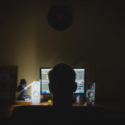 Мужчины чаще готовы к ненормированному рабочему дню
