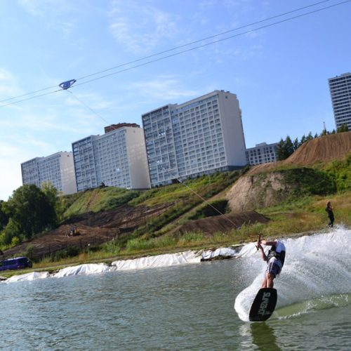 В сноуборд-парке «Горский» открылась трасса для вейкборда