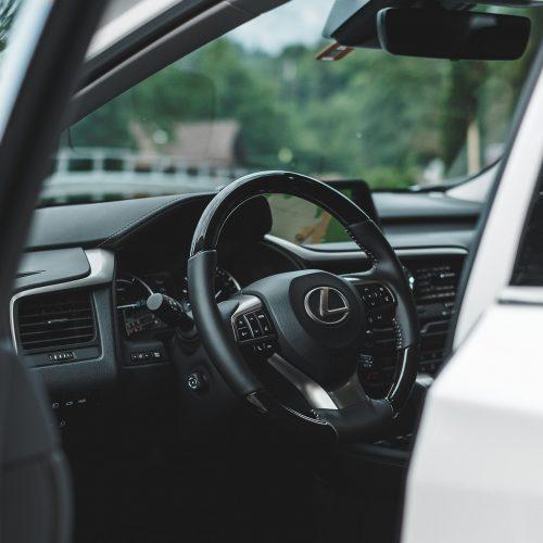 В Новосибирске самый желанный автомобиль мощностью от 250 л.с. — Lexus RX