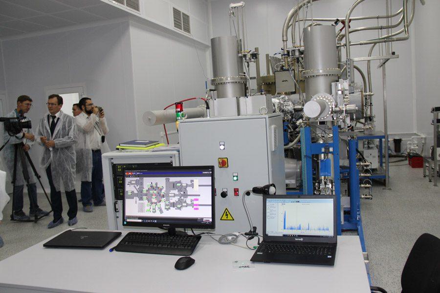 ИФП СО РАН и «Экран» запустят установку для производства гетероструктур
