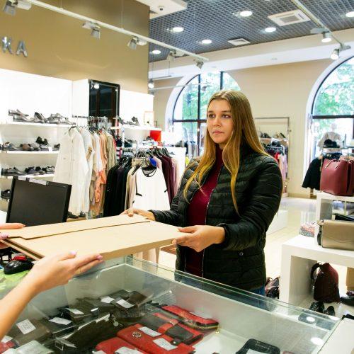 За 8 месяцев «Обувь России» выдала более 160 тыс. посылок
