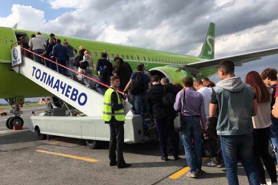 В августе в аэропорту Толмачёво зафиксирован пик по количеству обслуженных самолёто-вылетов