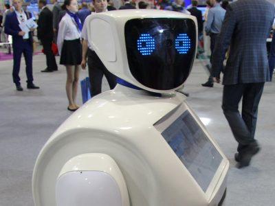 Робот Николай выступил на заседании Совета по развитию цифровой экономики