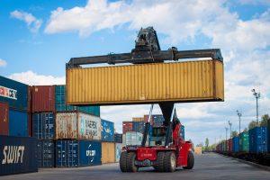 Евросиб отправил первый контейнерный поезд с зерном нового урожая
