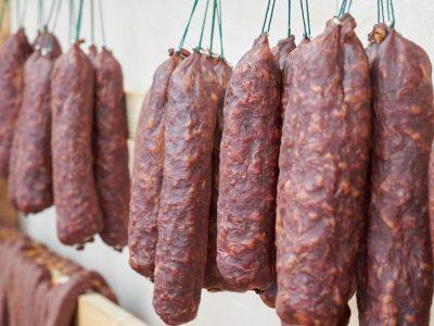 За девять месяцев в Новосибирской области произведено 44,7 тыс тонн колбасных изделий