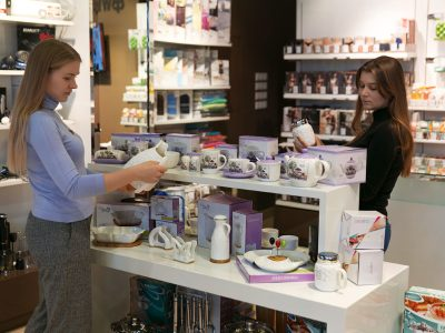 «Обувь России» превратит магазины в офлайн-маркетплейсы