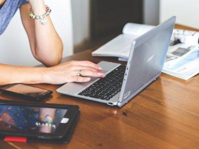 Большинство новосибирцев узнают новости из интернета