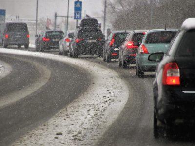 Треть автомобилей в Новосибирской области покупают юридические лица