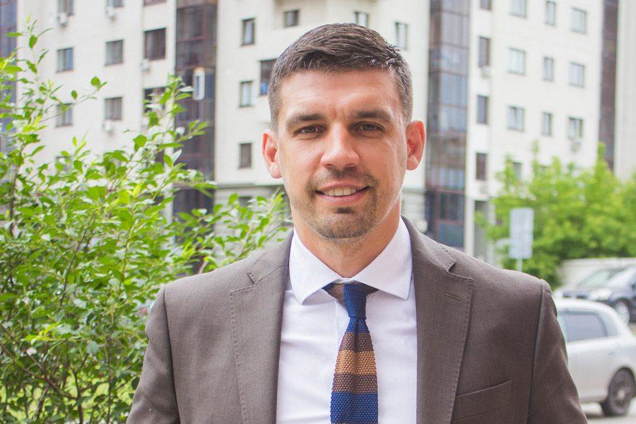 Евгений Бурденюк, директор компании «Отелит», исполнительный директор Новосибирского областного отделения ООО «Деловая Россия»
