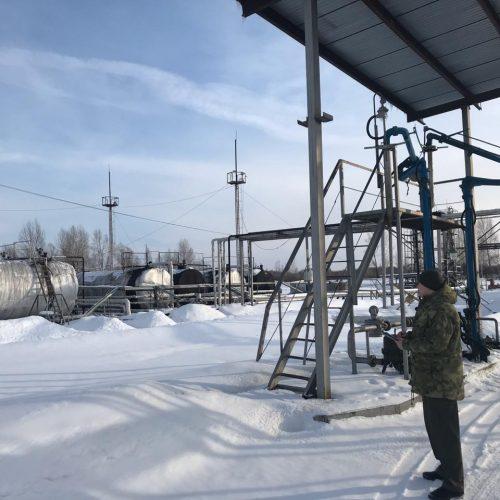 Новосибирца обвиняют в незаконной переработке нефти и производстве дизтоплива