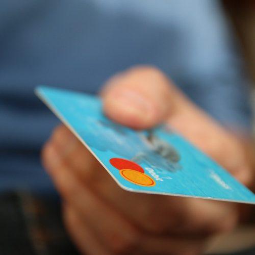 В июле в Новосибирске выдано почти 15 тыс кредиток