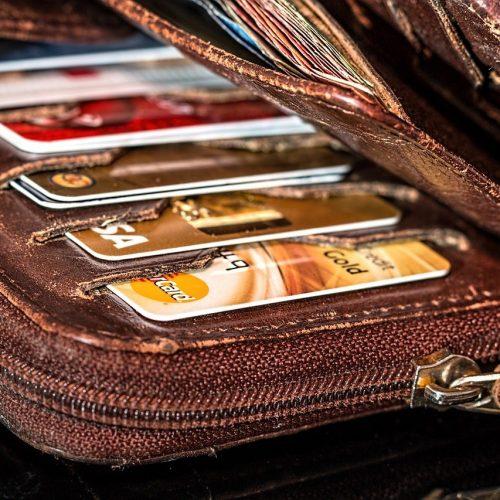 Спрос на кредитные карты в Новосибирской области упал более чем на 13%