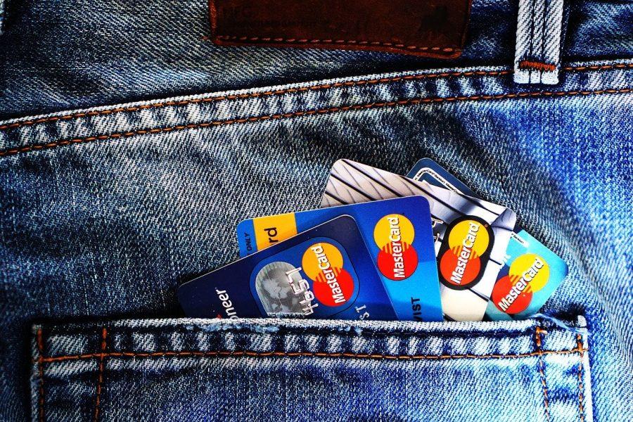 В декабре в Новосибирской области выдано 23,7 тысяч кредитных карт
