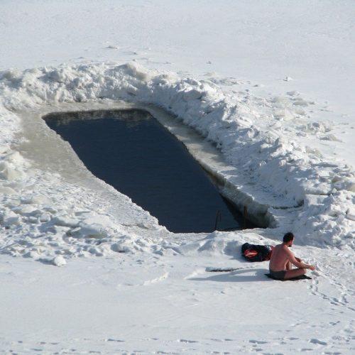В новосибирском правительстве не определились, можно ли купаться на Крещение