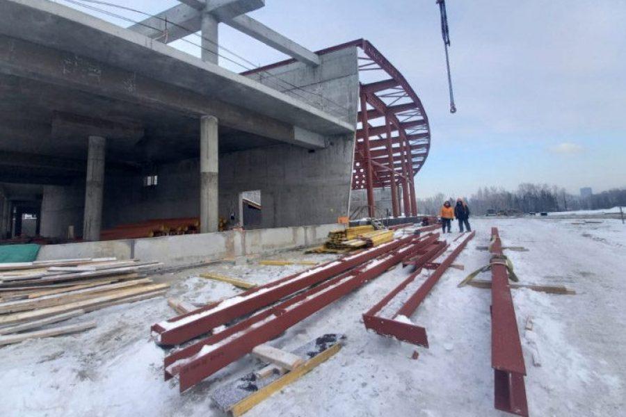 Ледовая арена и прилегающие к ней объекты готовы лишь на четверть