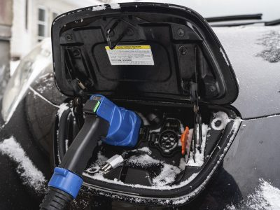 В Новосибирске прошли промышленные испытания системы зарядок для электромобилей