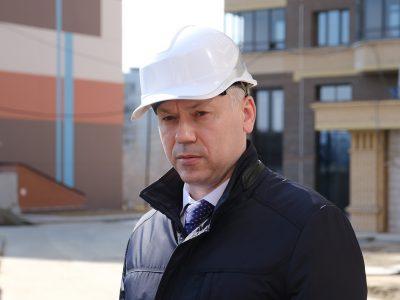 Почему Новосибирск показывает снижение по виду деятельности «Строительство»?
