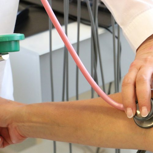 Спрос на медиков в Новосибирской области остается высоким