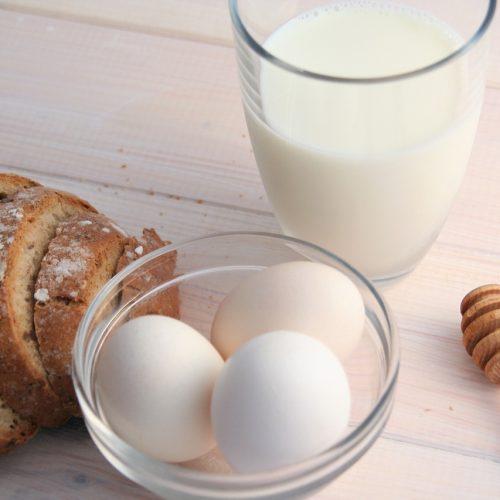 В январе в Новосибирской области подорожали молоко и куриные яйца
