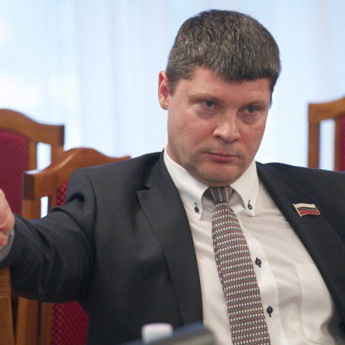 «Единая Россия» приостановила членство депутата заксобрания Валентина Сичкарева до суда