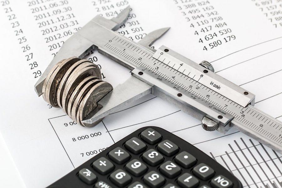 Банки и компании ЖКХ стали чаще взыскивать долги через суд
