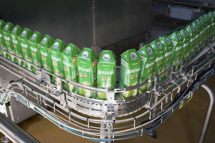 На заводе Coca-Cola в России в Новосибирске произведено более 242 млн литров напитков