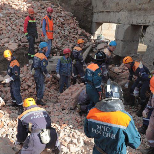 Дело о гибели трех рабочих в результате обрушения стены насосной станции передано в суд