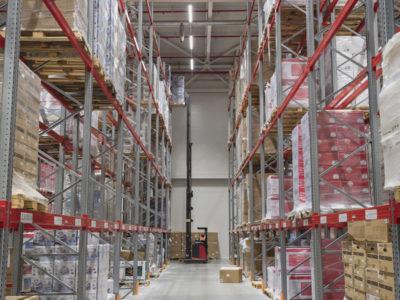 Почта России будет хранить товары и комплектовать заказы с AliExpress