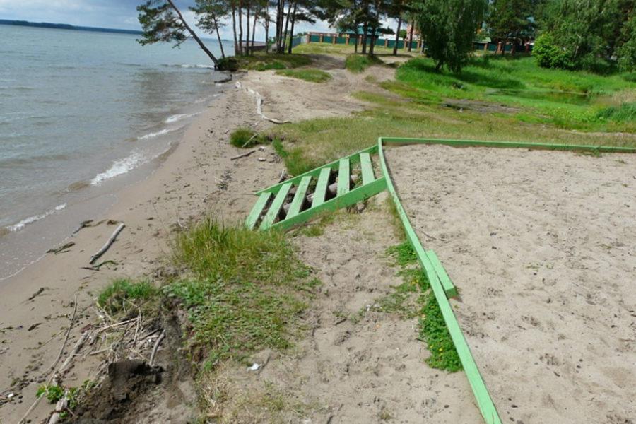 Федералов снова просят укрепить берега новосибирского водохранилища