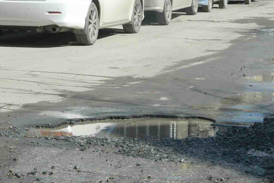 Муниципалитет собирает предложения по ремонту ям на дорогах Новосибирска