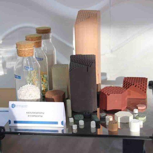 Институт катализа готов запустить в производство новый вид катализаторов