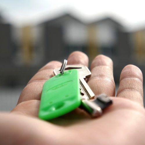 Прокуратура Новосибирской области предложила выдавать сертификаты на жилье для детей-сирот